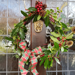 Let's get creative – how to make a Christmas wreath