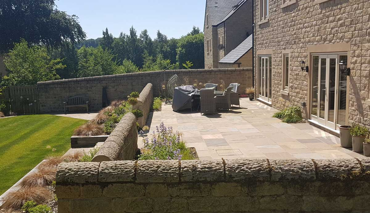 Stylish_terraced_garden_Menston_terrace_2_2
