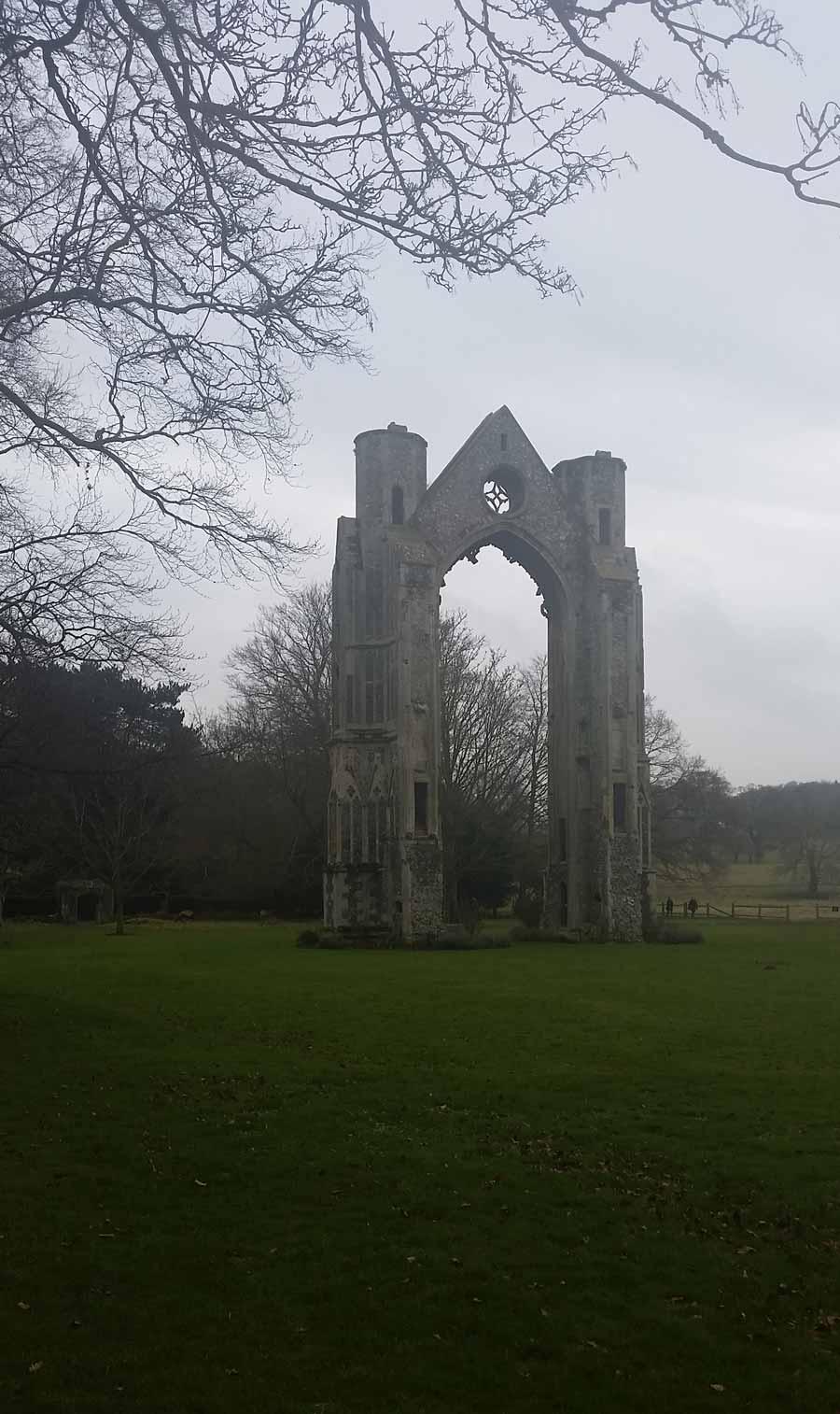2.-Walsingham-ruin_V3
