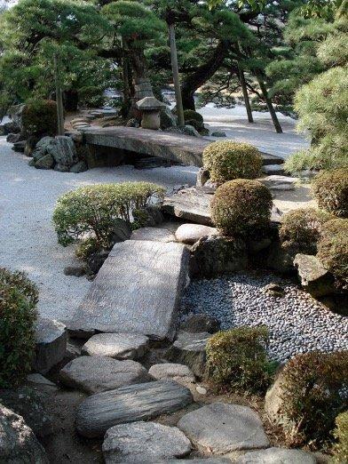 Classic-Garden-Design-2