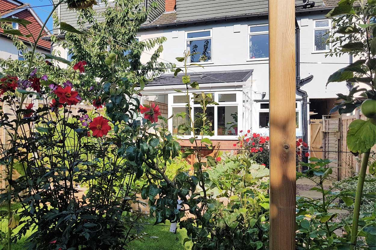 North-Leeds-Garden-Design-Incredible-Edibles-image-1