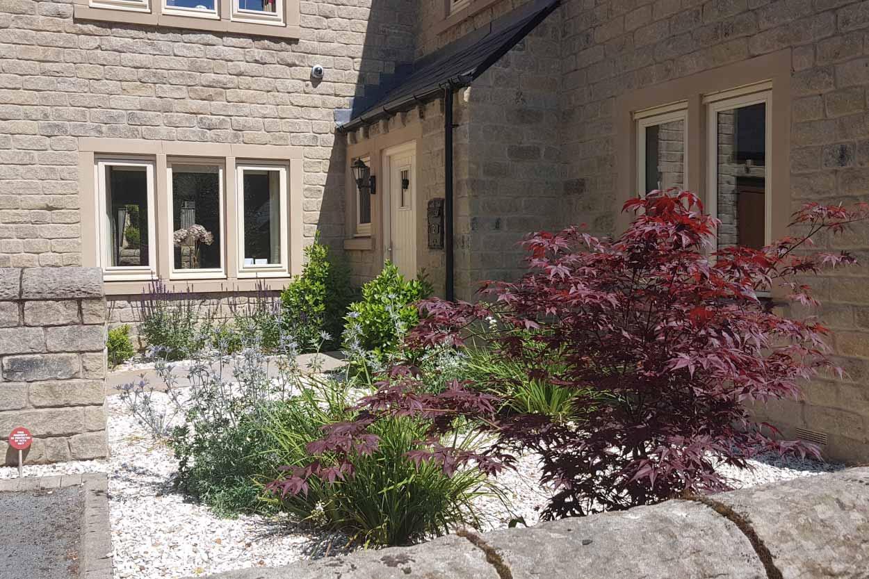 Elegant-Gravel-Garden-Menston