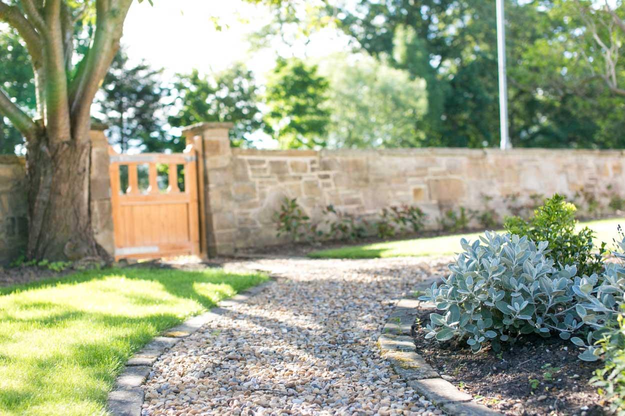 Low-maintenance-large-garden-3