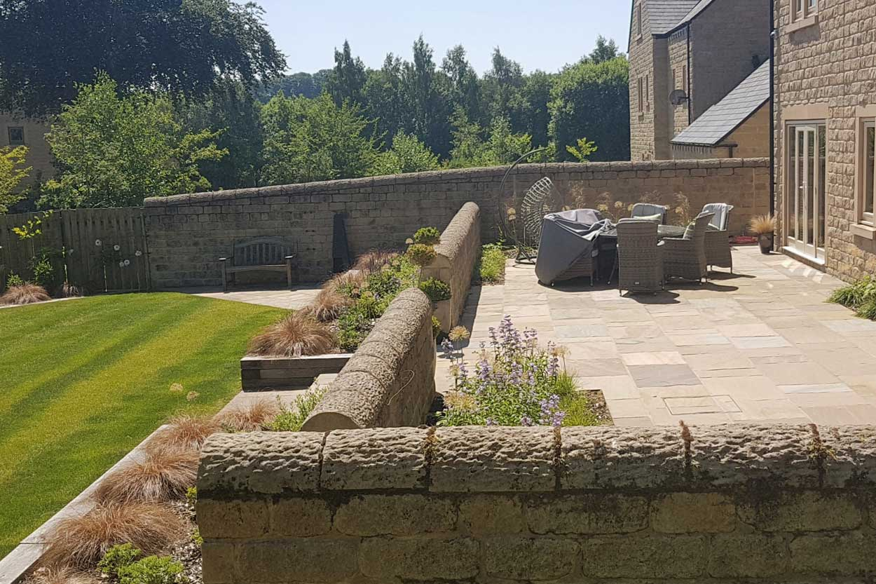 https://northleedsgardendesign.co.uk/stylish-terraced-garden-menston-full-width/