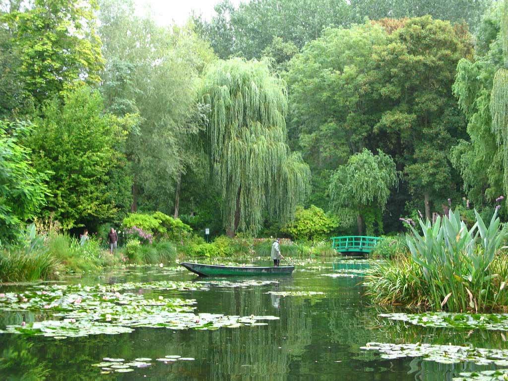 Favourite-Gardens-in-Europe-1