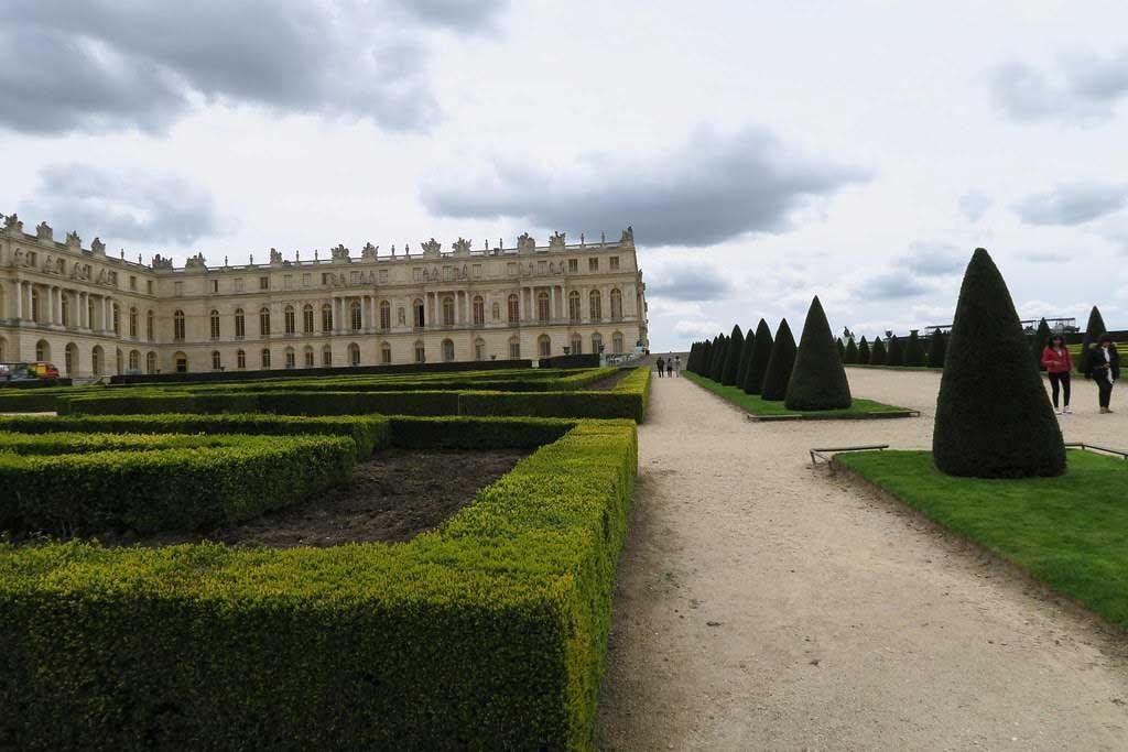 Favourite-Gardens-in-Europe-2